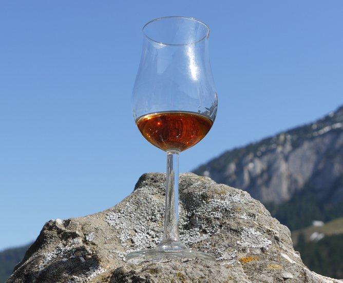 Whiskytrek Whisky im Gebirge